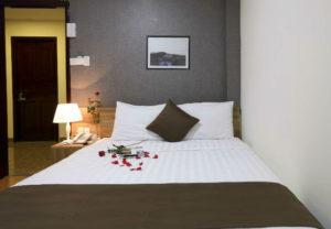 khách sạn giá rẻ nha trang gần biển