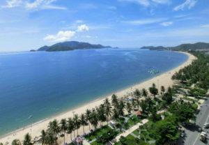 khách sạn gần biển nha trang