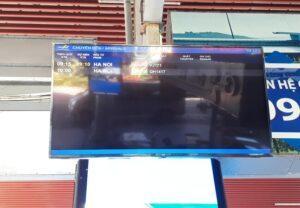 bảng điện tử ở sân bay cam ranh
