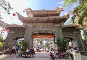 Cổng Chùa Long Sơn Nha Trang