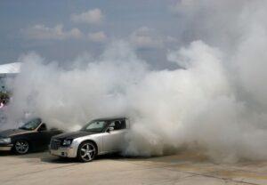 sự cố xe ô tô bị bốc khói